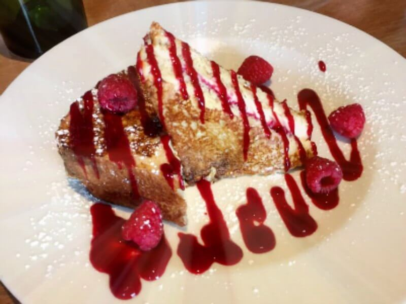 Prasino: Raspberry Stuffed French Toast
